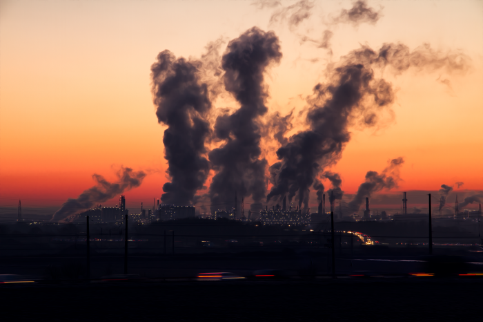Perché quello atmosferico è l'inquinamento che non vedi ma che fa più danni di quelli che immagini