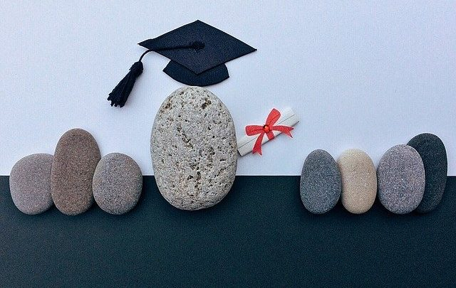 I vantaggi di prendere un diploma online